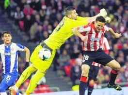 Kiko Casilla se pone a tiro pero el Valencia prefiere esperar